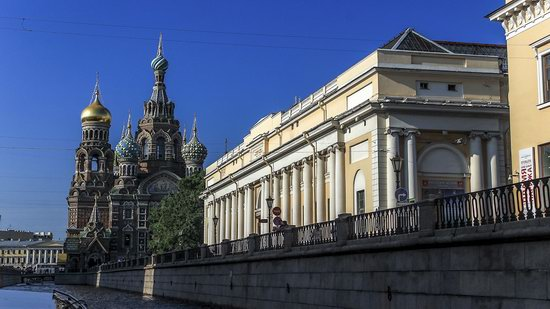 Boat trip along the canals of St. Petersburg, Russia, photo 8