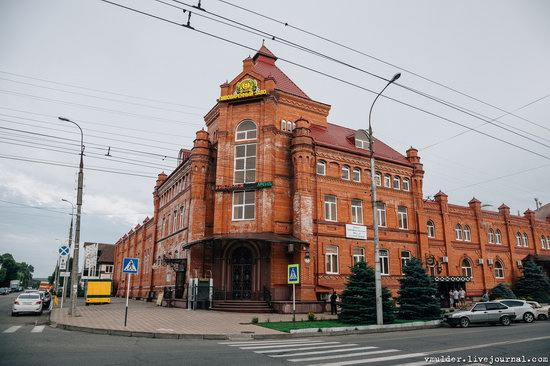Walking through the streets of Maykop, Russia, photo 13