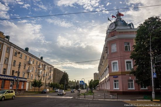 Walking through the streets of Maykop, Russia, photo 21