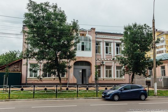 Walking through the streets of Maykop, Russia, photo 7