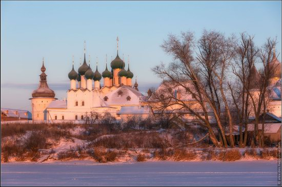 Frosty day in the Rostov Kremlin, Russia, photo 12