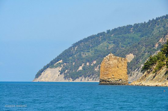 Parus (Sail) Rock near Gelendzhik, Russia, photo 8
