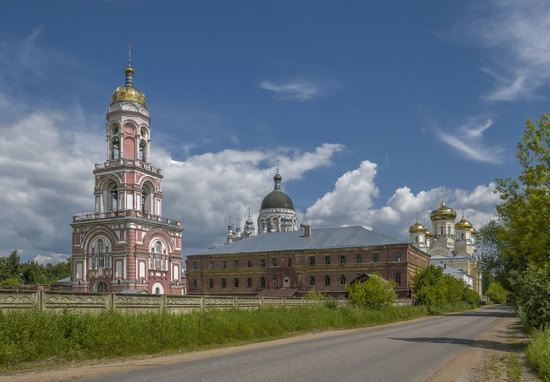 Kazan Convent in Vyshny Volochyok, Russia, photo 1