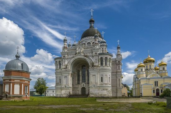 Kazan Convent in Vyshny Volochyok, Russia, photo 4