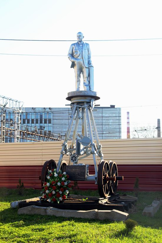 Lenin on Wheels - a Unique Roll Monument in Moscow, Russia, photo 1