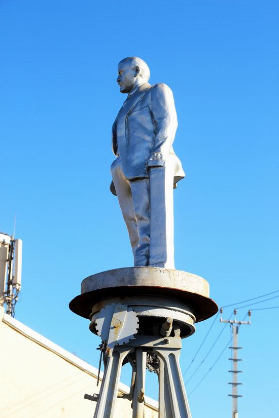 Lenin on Wheels - a Unique Roll Monument in Moscow, Russia, photo 9