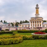 Walking through the historical center of Kostroma