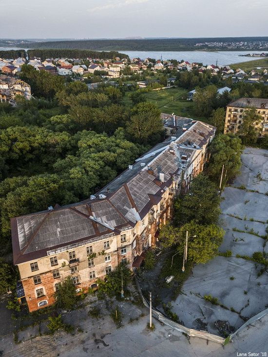 Sinkholes in Berezniki city, Perm region, Russia, photo 21
