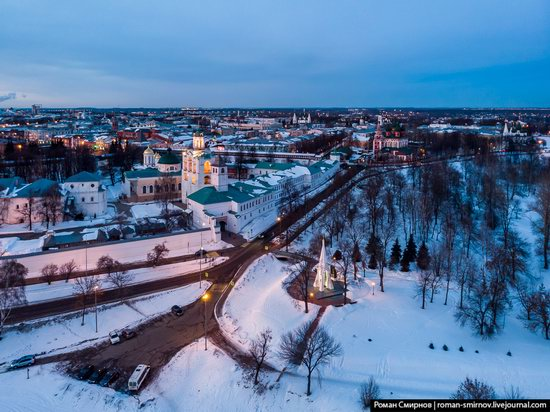 Evening in snow-covered Yaroslavl, Russia, photo 10