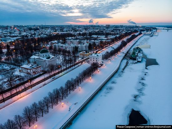 Evening in snow-covered Yaroslavl, Russia, photo 17