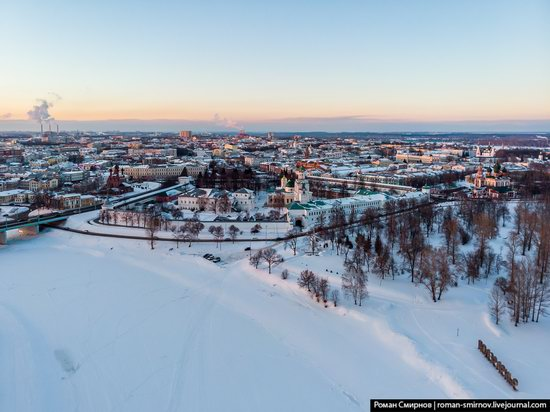 Evening in snow-covered Yaroslavl, Russia, photo 6