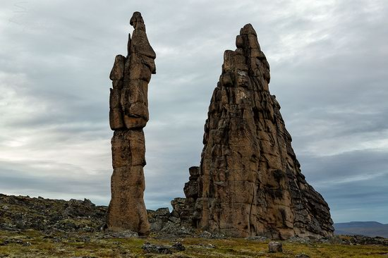 The cliffs of the Ulakhan-Sis Range, Yakutia, Russia, photo 8