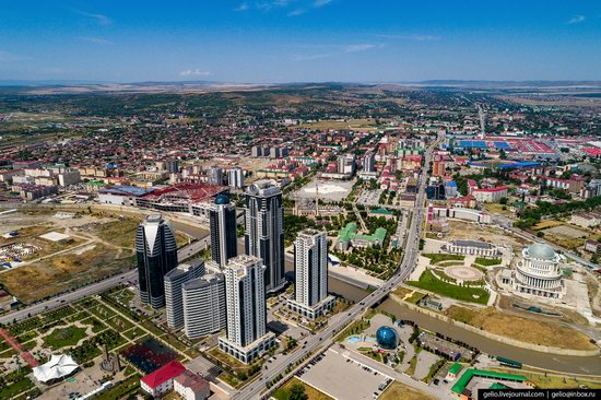 The rebuilt center of Grozny from above, Russia, photo 11
