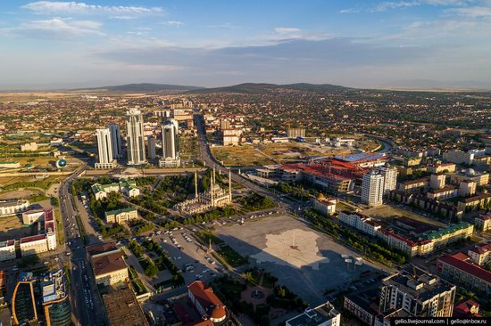 The rebuilt center of Grozny from above, Russia, photo 4