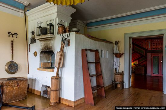 Astashovo Palace - One of the Best Wooden Houses in Russia, photo 13