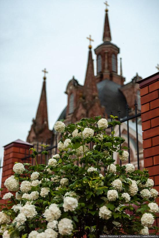 Pseudo-Gothic Orthodox Church in Veshalovka, Lipetsk Oblast, Russia, photo 10