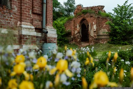 Pseudo-Gothic Orthodox Church in Veshalovka, Lipetsk Oblast, Russia, photo 11