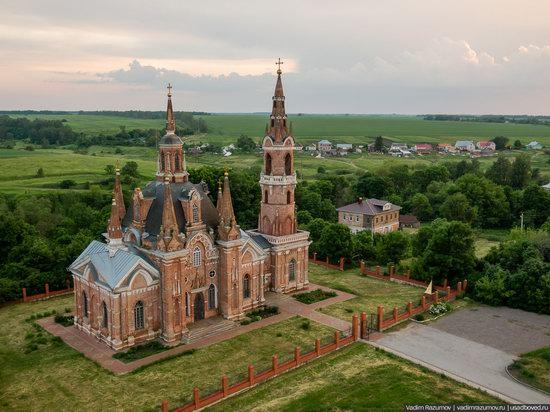 Pseudo-Gothic Orthodox Church in Veshalovka, Lipetsk Oblast, Russia, photo 13