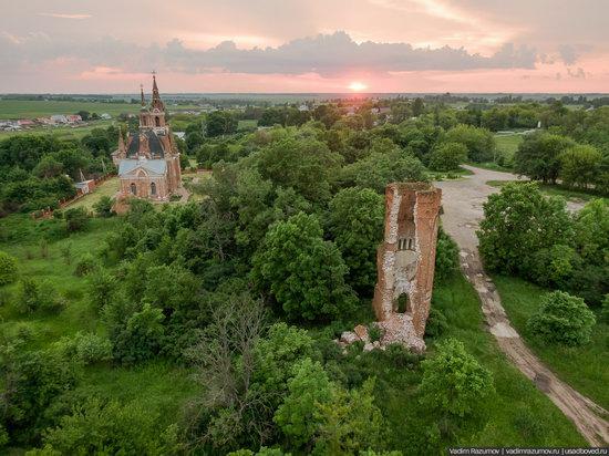 Pseudo-Gothic Orthodox Church in Veshalovka, Lipetsk Oblast, Russia, photo 7
