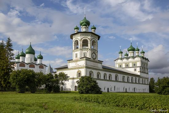 The Nikolo-Vyazhischi Convent, Novgorod Oblast, Russia, photo 1