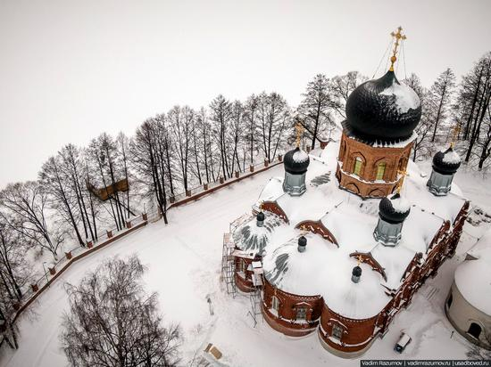 Winter in Svyato-Vvedensky Island Convent near Pokrov, Vladimir Oblast, Russia, photo 5