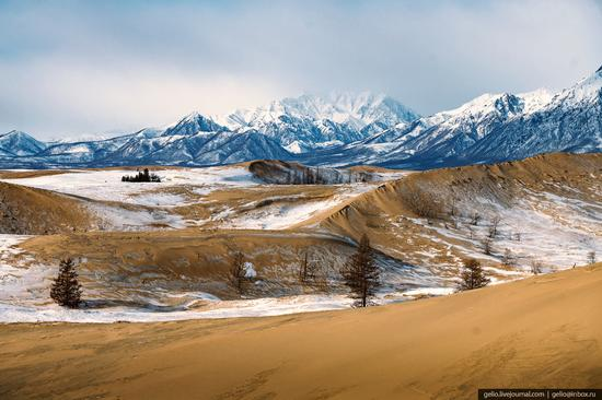 Snow-covered Chara Sands desert, Siberia, Russia, photo 4