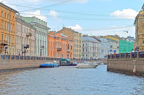 Entertainment near St Petersburg, Russia, photo 1