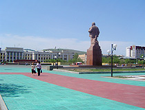 Lenin monument on the central square of Chita