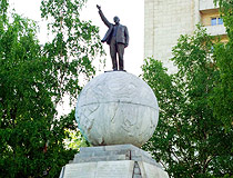 Lenin monument in Nizhny Tagil