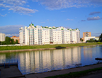 Apartment house on the river bank in Oryol