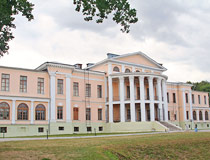 The main building of Dubrovitsy mansion