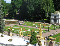 Grand Cascade of fountains in Peterhof