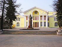 Drama Theater and Rokossovsky monument in Velikie Luki