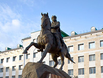 The monument to Obolensky-Nogotkov, the founder of the city