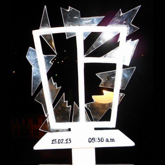 Chelyabinsk meteorite monument project - window frame with broken glass